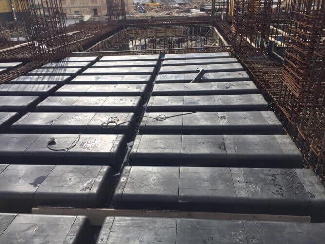 مونتاژ قالب وافل یک طرفه و چینش قالب وافل روی سقف